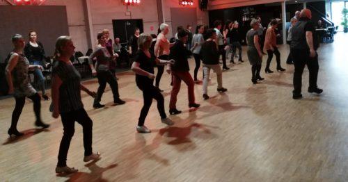 Partydance for 1 : lijndans en solodans
